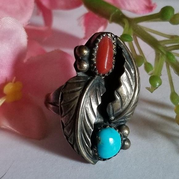 Vintage Jewelry - Unique Vintage Navajo Ring.